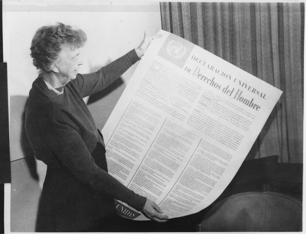 Eleanor roosevelt and united nations universal declaration of human rights in spanish 09 2456m original %281%29